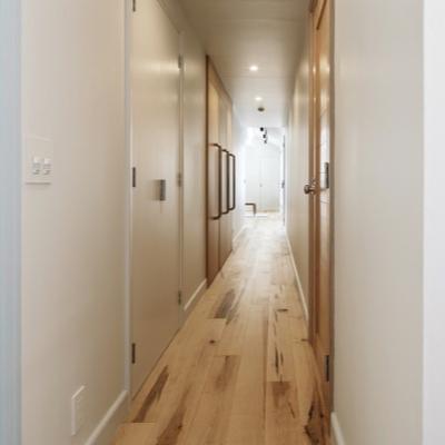 廊下の長い家